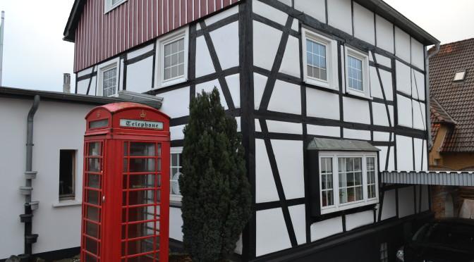 Abgeschlossene Fassadensanierung im Lehmputz…
